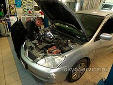 После ремонта двигателя Митсубиси и установки новых запчастей осуществляется сборка
